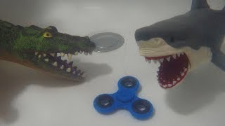 BATHTUB CREATURES in a Fidget Spinner Battle - Who will get it? Crocodile, Fish and Shark toys
