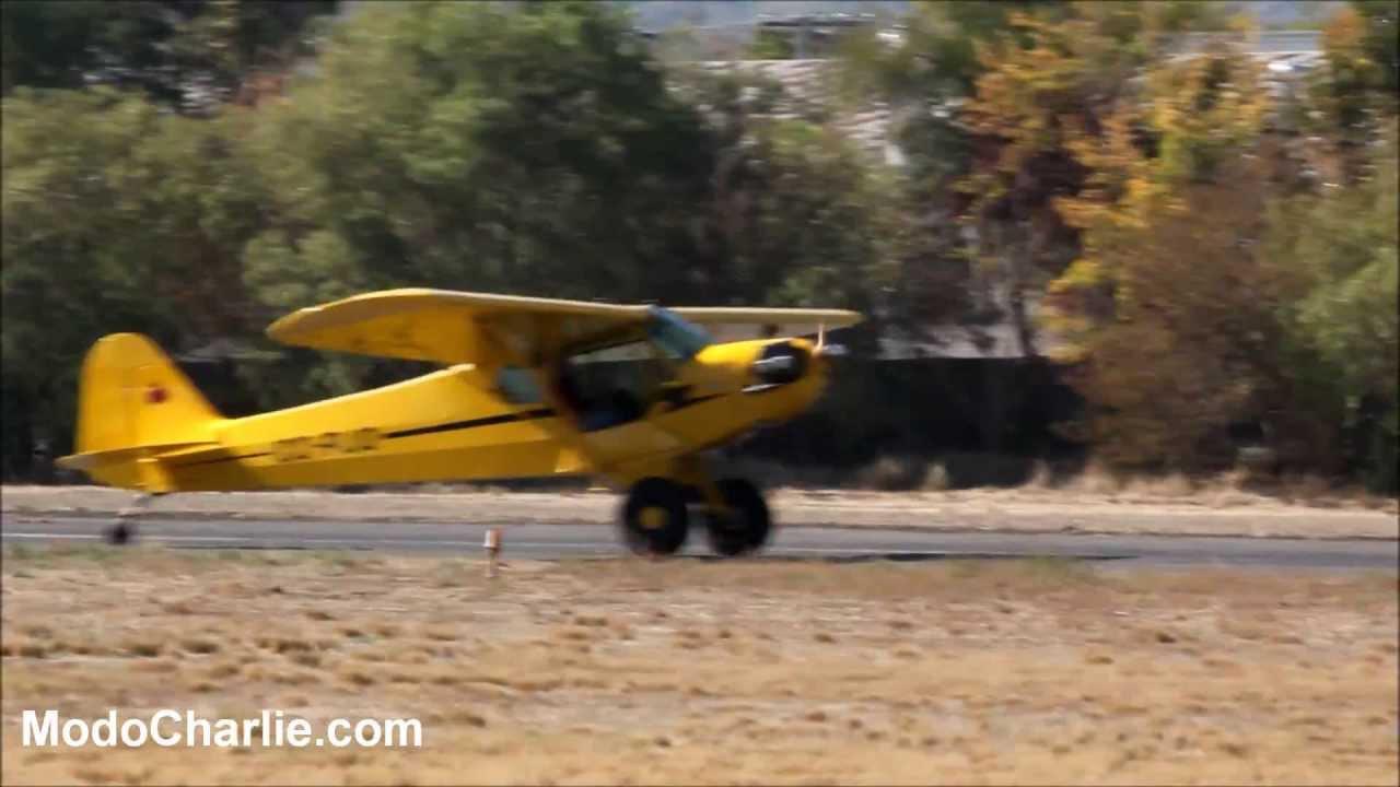 Aviones Clásicos en los 85 años del Club Aéreo de Santiago - YouTube