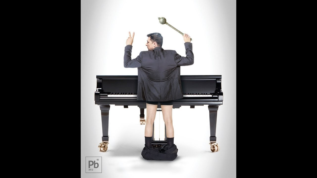 Зеленский играет на рояле - YouTube