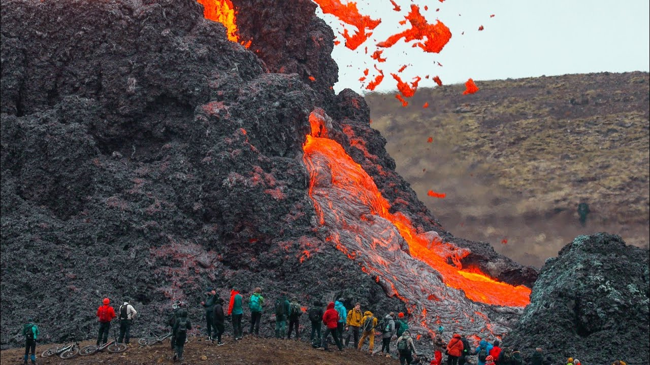 PEOPLE WERE TOO CLOSE!!! HOW IT ALL STARTED-RAW FOOTAGE FROM THE 2ND DAY!-Iceland Volcano-20.03.2021