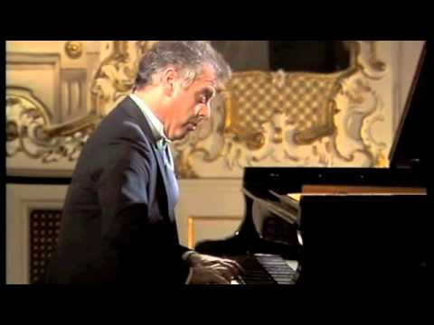 Barenboim Play Mozart Sonata D Major K. 311(complete)