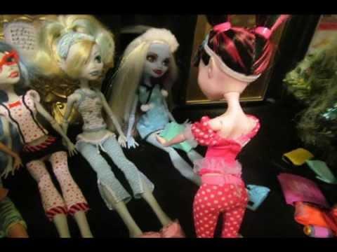 Monster High Christmas Stopmotion!!!! - YouTube