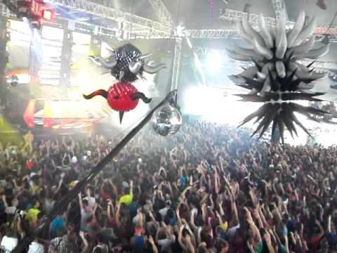 Afrojack- Polkadots, Ultra Miami 2011