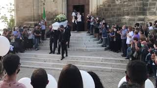 L'ultimo saluto a Francesco Zara, i funerali del 16enne a Tavenna