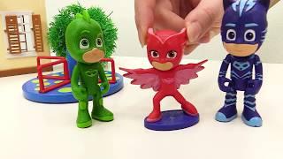 PJMaskeliler oyuncakları; Romeo ve Ay Kızı yarışması.