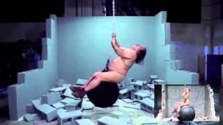 Пародия на клип Miley Cyrus   Wrecking Ball