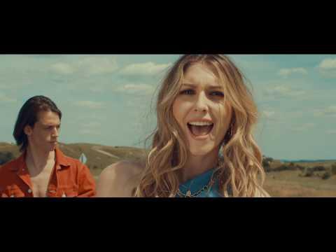 Dallos Bogi - Az én Időm (Official Music Video)
