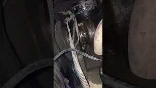 Бежит масло из под датчика аварийного давления масла 2114