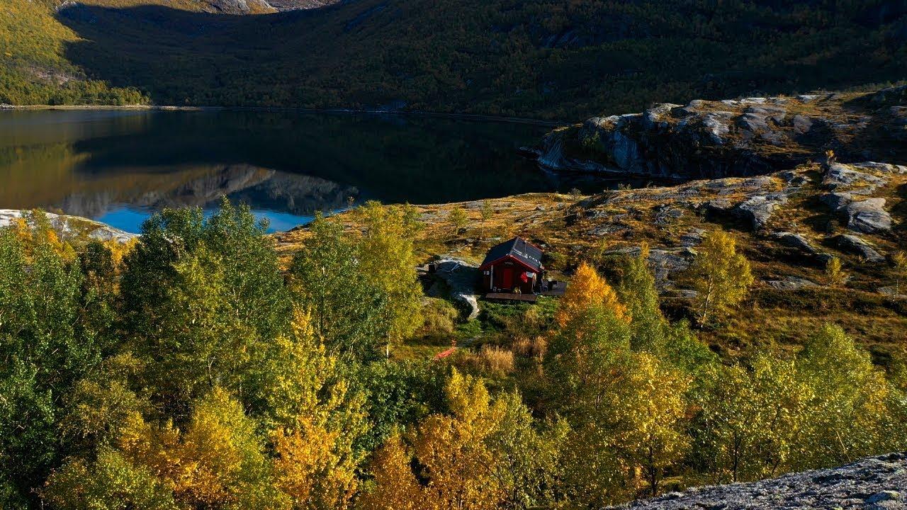 Hike to Sørfjorden in Sjunkhatten