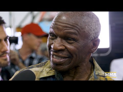 Floyd Mayweather Sr. Recites Entertaining Poem About Conor McGregor Fight at Media Workouts