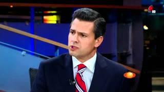 Enrique Peña Nieto con Joaquin Lopez Doriga (en HD total)