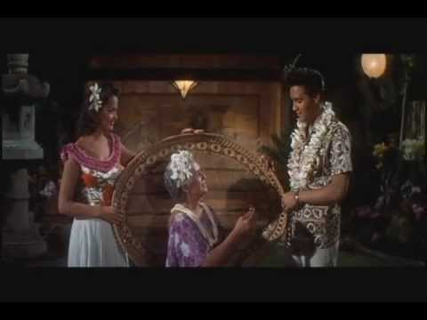 Blue Hawaii - Elvis Presley - Can't Help Falling In Love 1961.avi