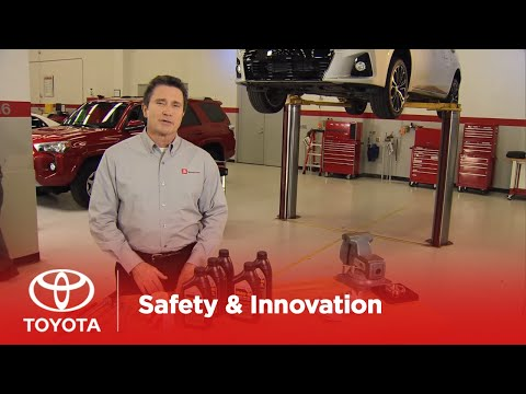Toyota Service Tips 101 | Oil Change | 2016 Dealer Version