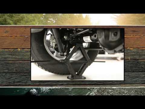 Jacked Up Jeep Wrangler >> Cric et changement de pneu - YouTube