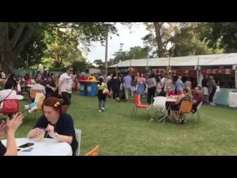 Night Noodle Markets At 5.30pm 7-10-2016