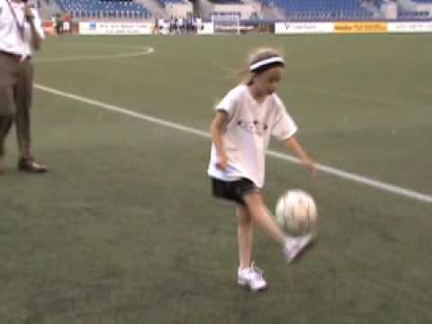 U9 Girl Juggling Soccer Ball Seattle Sounders Halftime Show Youtube