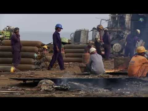 Poor Working Conditions : The Ship Breakers of Bangladesh