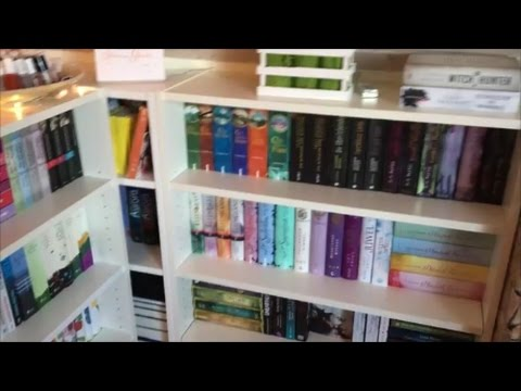 Updatet Bookshelf Tour Pt.1! | allys_books