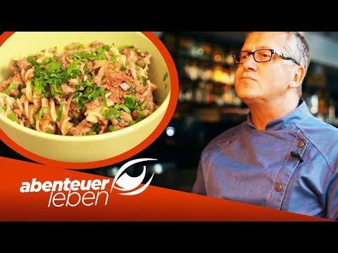 Dirk Hoffmann Wird Bekocht: Skurrile Gerichte Aus Dem Internet | Abenteuer Leben | Kabel Eins