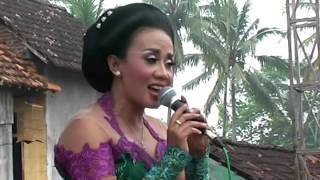 Download Turonggo Madyo - Setyo Tuhu pelog - Voc. Ida Saputri