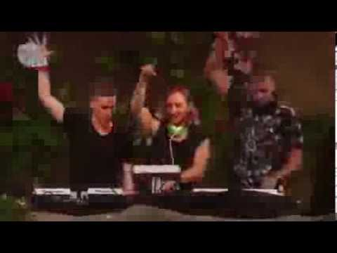 David Guetta ft. Nicky Romero & Afrojack - Booyah @ Live at TOMORROWLAND