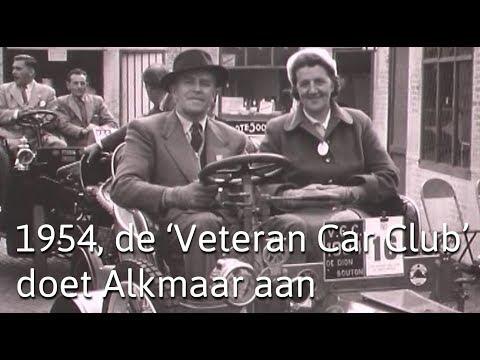 1954, de 'Veteran Car Club' doet Alkmaar aan