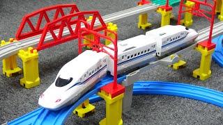 新幹線 N700S 確認試験車 立体レイアウトセット たくさんのパーツが入ったプラレールセットで遊ぼう!