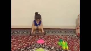 بنت عمره 5 سنوات تمارس رياضه