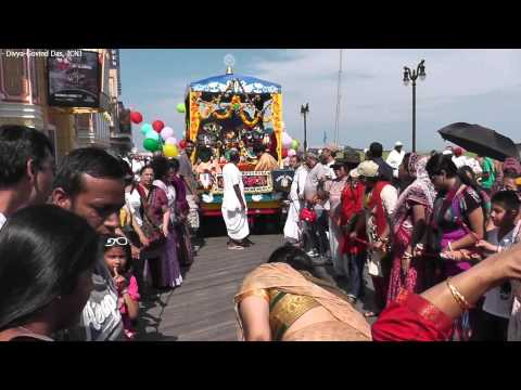 Ecstatic Kirtan @ ISKCON New Jersey USA Rath Yatra#1 (Atlantic City) - June 29, 2013