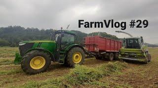 FarmVlog #29 - Senážujeme hrách a navážíme ho do vakovače 🚜