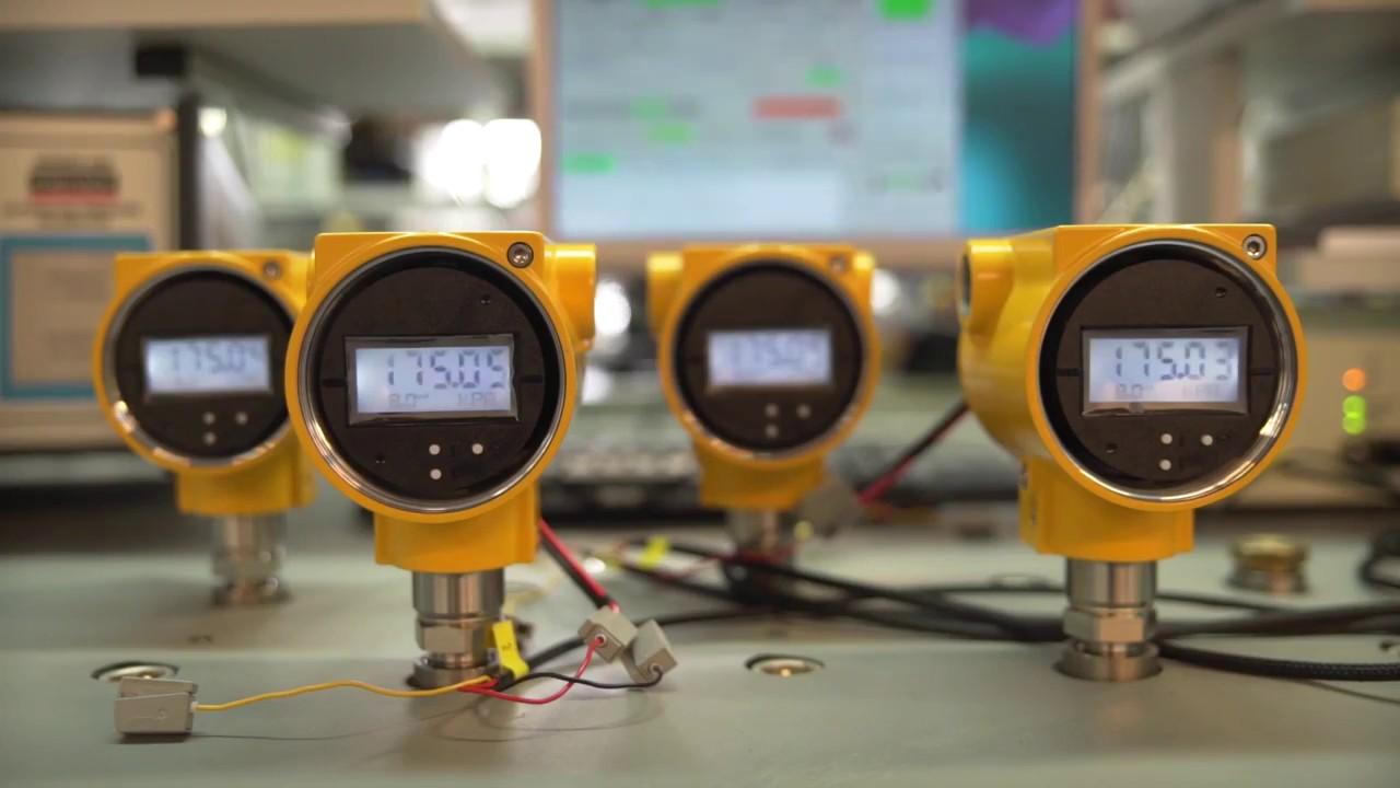 Производство контрольно-измерительных приборов на заводе  АПЛИСЕНС