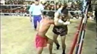 Myanmar Lethwei(red) vs. Muay Thai(dark)