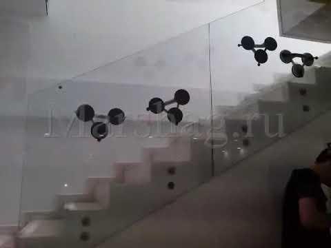 Монтаж самонесущих стеклянных перил Маршаг