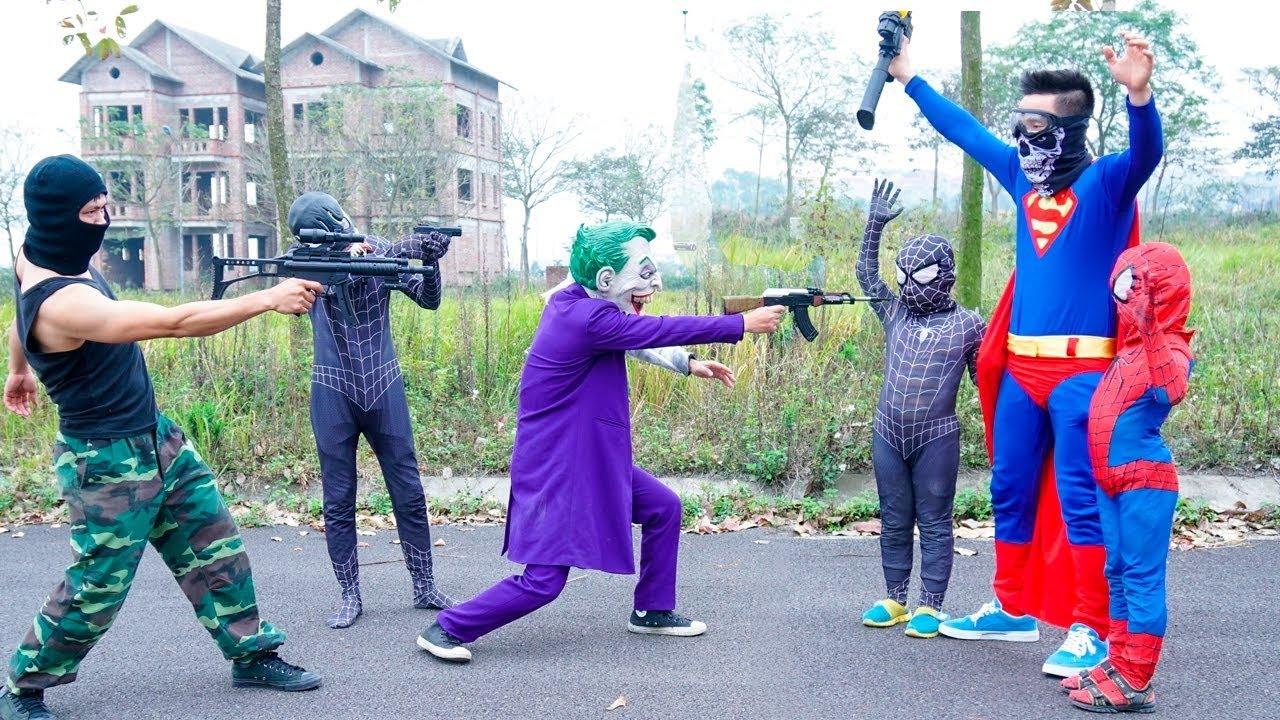 Người nhện bắn súng black spiderman Joker kẻ kướp