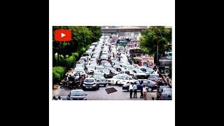 Dropping wallet in the middle of the road-SOCIAL EXPERIMENT-Traffic Jam