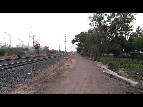 12129 Pune Junction - Howrah Azad Hind Express rushing towards Daund Jn with a BSL WAM4 21399