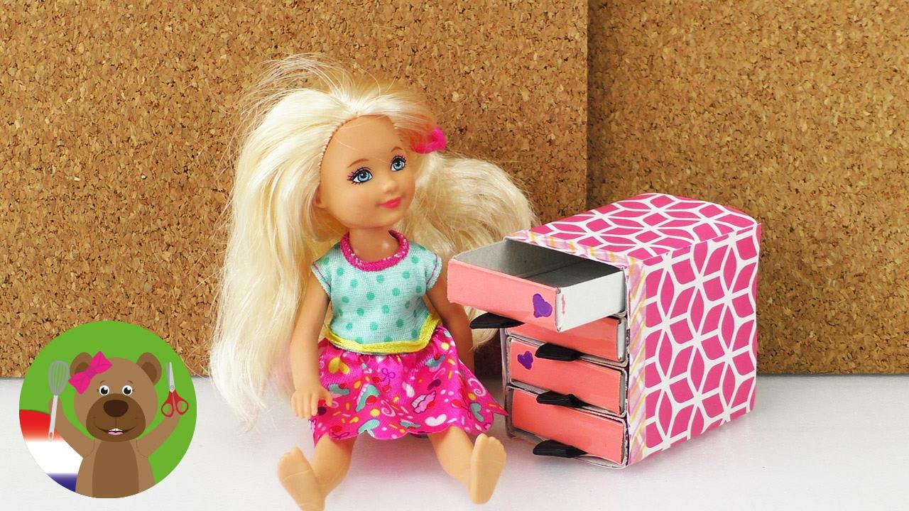 Zelf knutselen komode van luciferdoosjes voor barbie for Poppenhuis voor barbie