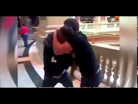 Terrified Shoppers Watch GYPSY Style BARE KNUCKLE FIGHT in Shopping Centre | Machester, England