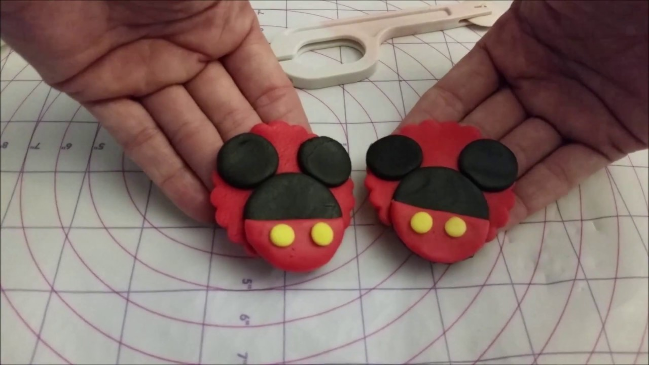 Mickey Mouse Cupcake Topper Tutorial EASY - YouTube Mickey Mouse Cupcake Toppers Free