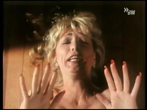 Maniac get out of his hands with long nails Stella Stevens