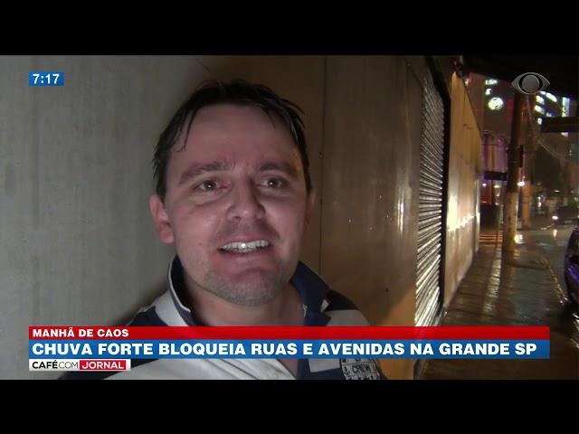 Motoristas ficam ilhados depois de forte chuva no ABC paulista