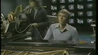 Video THE CARPENTERS FIRST TELEVISION SPECIAL 6 download MP3, 3GP, MP4, WEBM, AVI, FLV September 2018