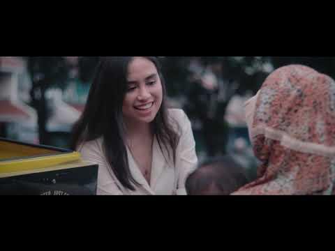 "Andrea Turk - ""Tiada Perbedaan"" feat. Help Indonesia [Official Video]"