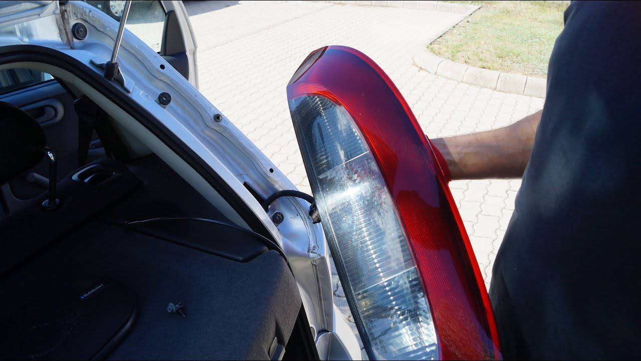 Opel Corsa  Rear Right Tail Light Housing Replacement