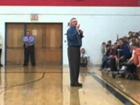 Ron Glodoski speaks at Big Rapids Middle School
