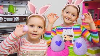 Sofia si Sara Cauta Oua de Pasti in Casa/ Easter Egg Hunt Deschidem Oua Hatchimals