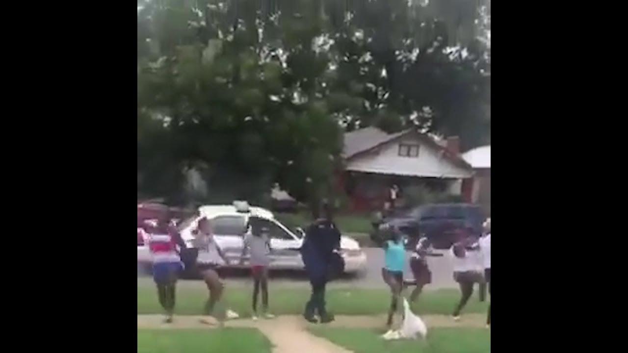 Birmingham cop 'shoots', and neighbors cheer