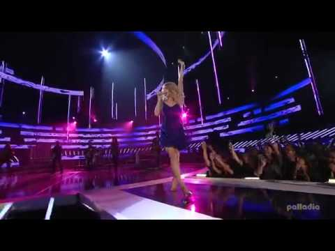 Taylor Swift - You Belong With Me - CMT Awards - 2009
