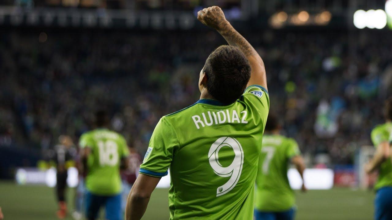 Raúl Ruidíaz smashes home his second of the season
