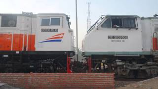 Video Kereta Api Indonesia - Lokomotif KAI Terbaru CC206 15 10 TG CC203 95 05